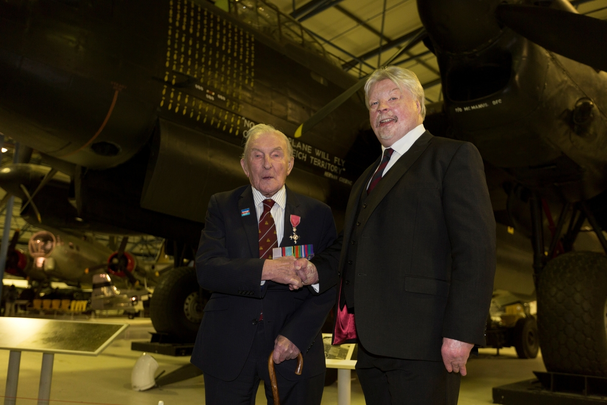 FALKLANDS WAR VETERAN SIMON WESTON CBE JOINS FORCES WITH THE LONDON MINT OFFICE …