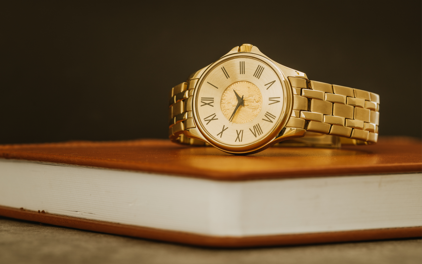The coin watch connects tradition with history, and with just a glance, serves as a constant reminder of some of the most favoured and timeless coins.